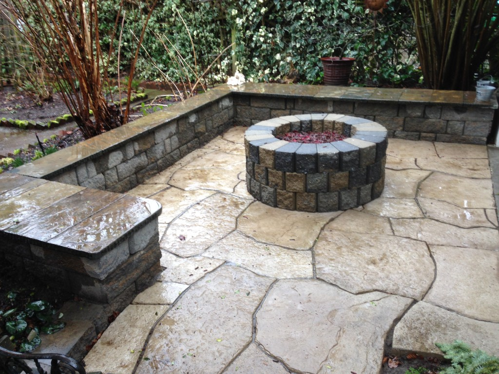 Rosetta Pavers with sitting wall of block and flagstone cap